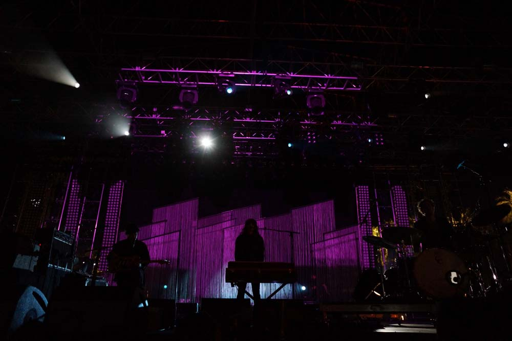 beach house stage